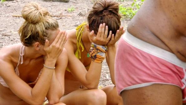Survivor Photos: The Girls Shield Their Eyes - Redemption Island