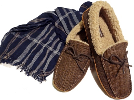 American Eagle - Shearling Slippers and Navy Scarf