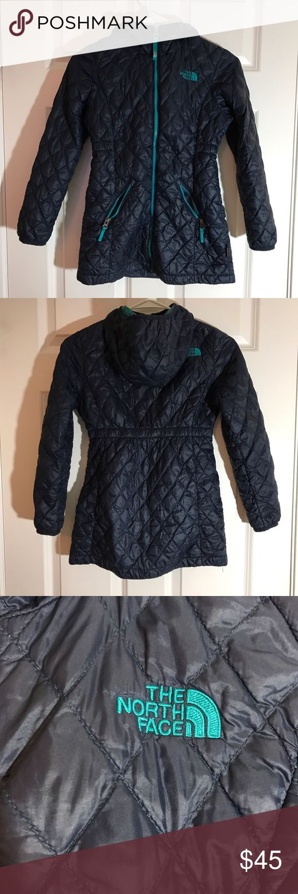 "Girls North face puffer jacket with hood Dark blue puffer jacket with hood. The inside is a beautiful teal color. This jacket is a must have for fall! The size is S/P or a 7/8. The pit to pit is 16"". North Face Jackets & Coats Puffers"