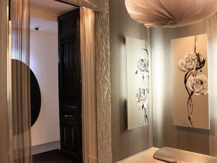 #Pannelli in tela metallica unici ed eleganti rivestono le pareti di questo spazio a #Madrid