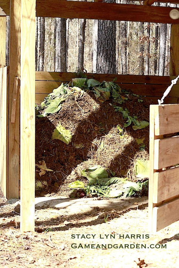 how to make a compost pile for gardening