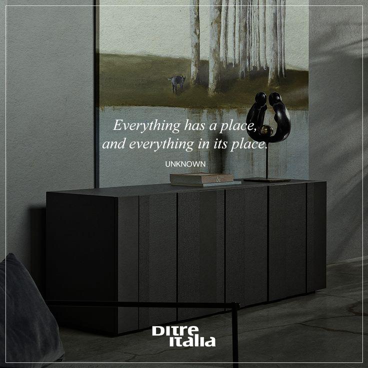 No place for mess with our complementary furniture! Con i nostri complementi d'arredo solo il disordine non trova il suo posto.