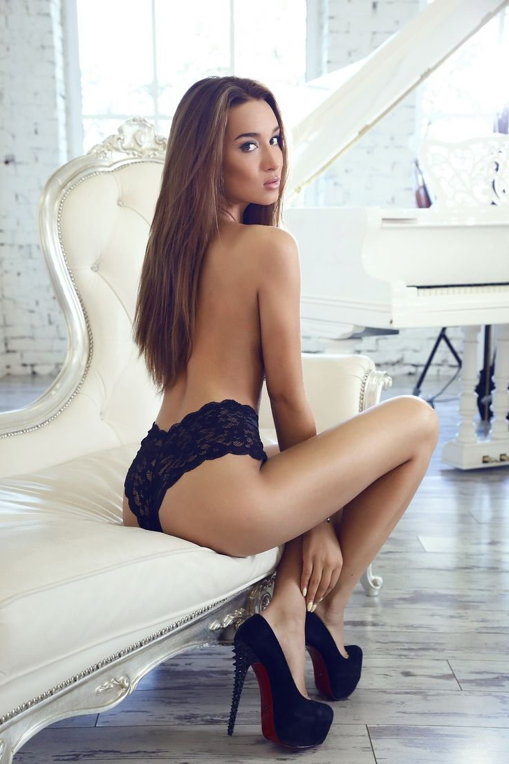 escort alexandra perfect asian