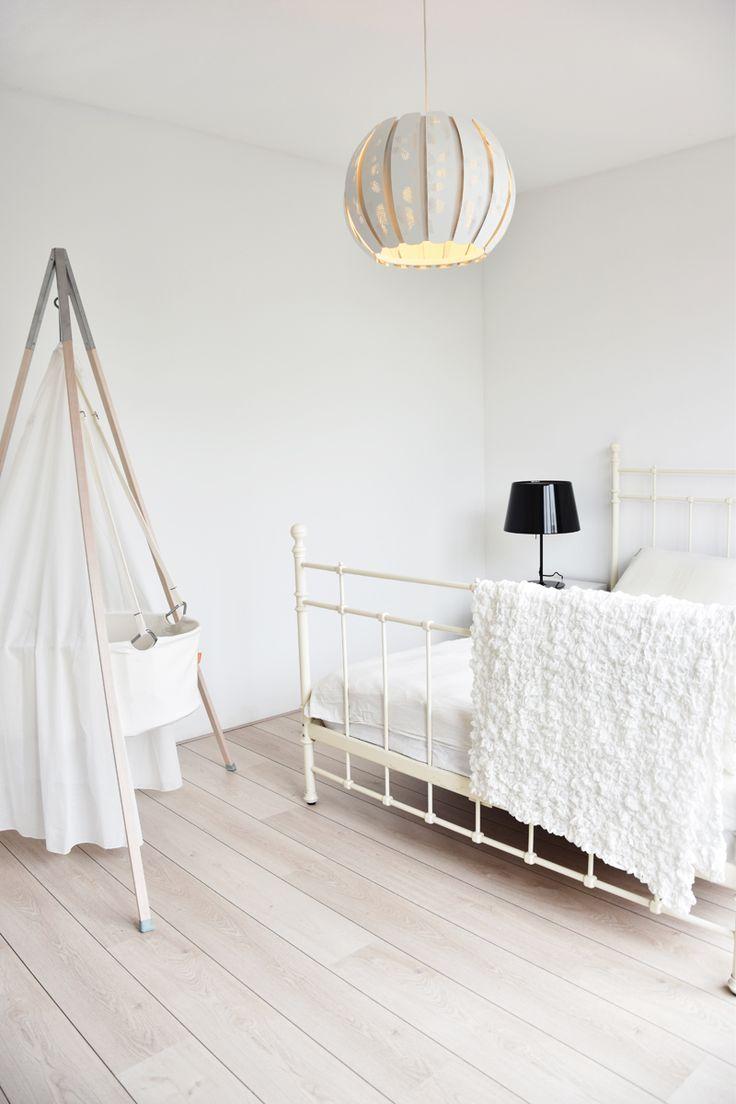home-tour-rotterdam-irenevanguin-interieur-interior-styling-babykamer-babyroom-allwhite-interieur-pinterest-inspiratie-wit