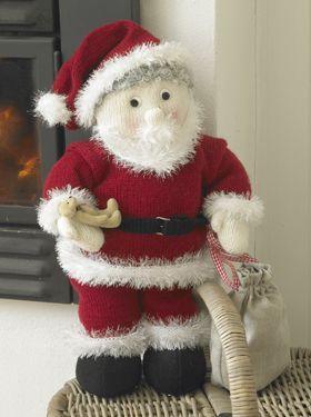 Stor, strikket julemand.  Big, knitted Santa.