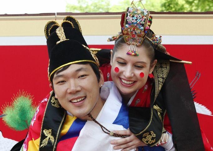 Women seeking men seoul esco