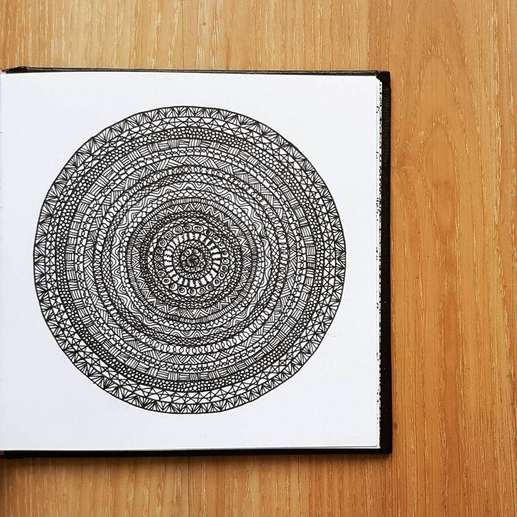 Find me on new IG @_barboring #illustration #zentagle #doodle #drawing #sketch #sketchbook #pattern #patterndesign #art #barboring