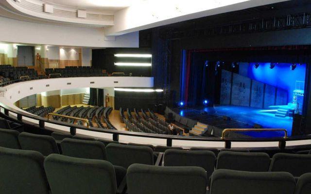 Il Teatro Olimpico di Roma è finalmente agibile, una grande festa ci attende... Il Teatro Olimpico di Roma riprende la sua attività dopo l'ok ddegli organi di controllo. Era il 22 gennaio quando 3 piani di un palazzo attiguo crollarono per via di lavori di ristrutturazione a di  #teatroolimpico #roma #evento #cultura