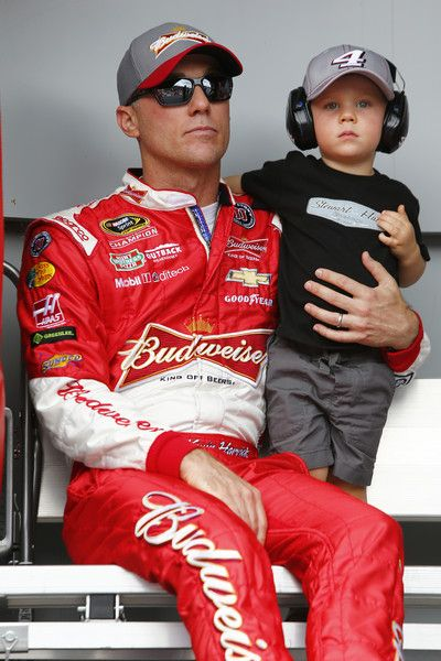 Kevin Harvick Photos - NASCAR Sprint Cup Series Quicken Loans 400 - Zimbio