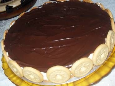 A receita de Torta Holandesa (a original) é um prato delicioso e que agrada aos paladares mais exigentes. Faça na sua casa e surpreenda-se com o resultado