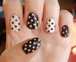 Polka dot manicure <3