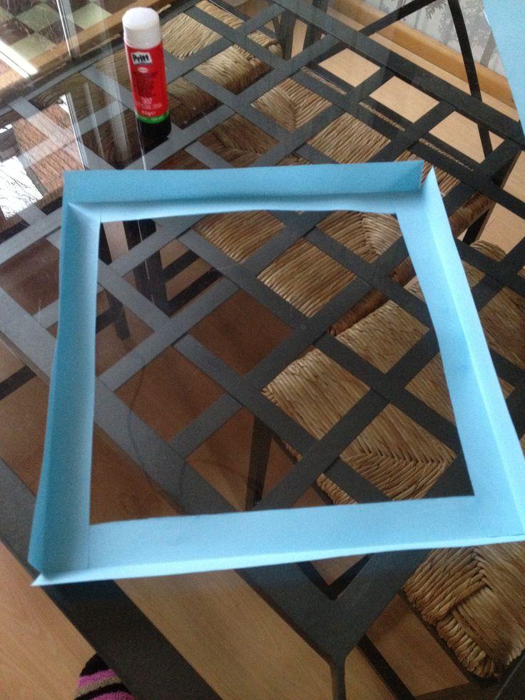 Het maken van een kubus van papier STAP 4: Maak het onderste frame