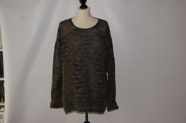Handgehäkelter Pulli für den modebewussten Mann oder die stilsichere Frau als oversize Pulli zu tragen.