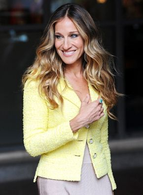 SJP's Ombre Hair. I totally dig it. And the pretty yellow jacket, too!
