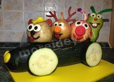 Осенние поделки из фруктов и овощей: машина со Смешариками