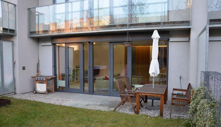 Продажа квартиры 3+КК, Прага 8 - Карлин, цена 381 500 евро http://portal-eu.ru/kvartiry/3-komn/3+kk/realty127  Продажа квартиры 3+КК, 120 кв.м., Прага 8.  Продажа двухуровневой квартиры 3+КК, общей площадью 120 кв.м., расположенной на 1 этаже новостройки в закрытой резиденции в Праге по ул. Кржижикова 52. Квартира имеет планировку 3+КК с возможностью изменения до 4+КК. Дом расположен в самом центре пражского микрорайона Карлин, в непосредственной близости от станции метро Křižíkova, и…