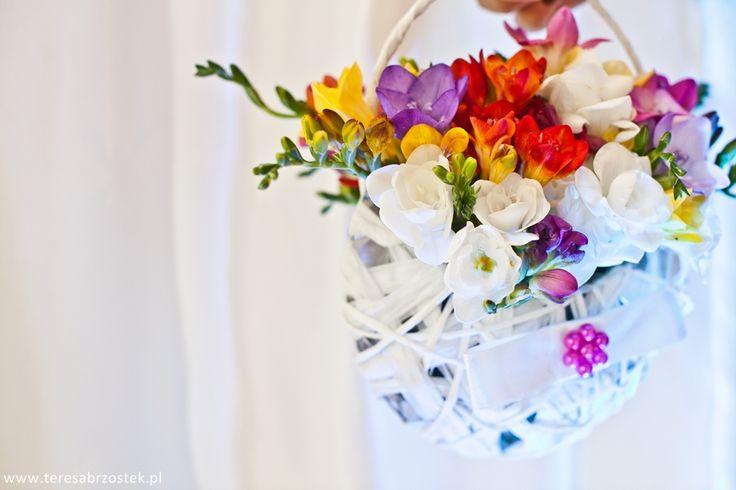kolorowy bukiet ślubny z frezji