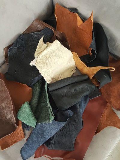 Neues aus unserem Leder-Taschen-Blog: Basteln und Nähen mit Lederresten. #hamosons #bags #lehrertaschen #taschen #jahnlederwaren #aktentaschen #ledertaschen #lederrucksack #mystyle #design