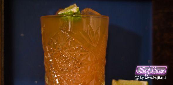 MAI TAI Nieśmiertelny, orientalny klasyk: rum złoty - 40ml, grand marnier - 10ml, limonka sok - 20ml, syrop orgeat - 10ml  Przepisy na drinki znajdziesz na: http://mojbar.pl/przepisy.htm