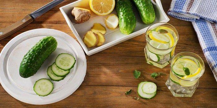 Recept Vetverbrandings Drank: Dit eenvoudig vetverbrandings drankjeiseffectief van het verwijderen van vet op de meestbelangrijkste plekken van het lichaam. Ingrediënten: 8 glazen water 1 eetlep…