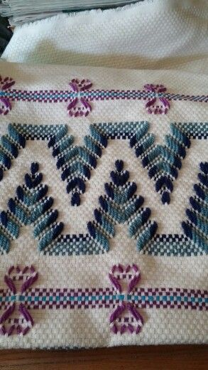 New tote bag pattern on monks cloth using swedish weaving