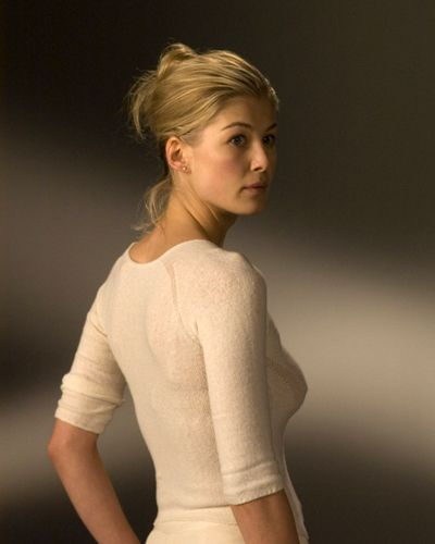 rosamund pike portrays the role of 39 39 dr samantha grimm 39 39 in the film 39 39 doom 39 39 a 2005 american. Black Bedroom Furniture Sets. Home Design Ideas