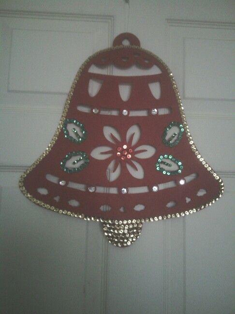 campana navidea hecha con fieltro