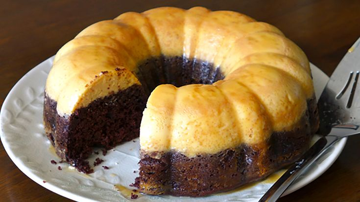 The dessert we know as chocoflan comes to us from Mexico and is known for being quite difficult to prepare.