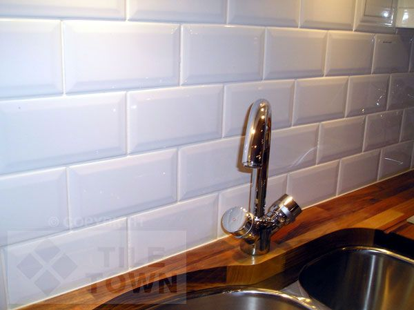 Bevelled Edge Kitchen Wall Tiles