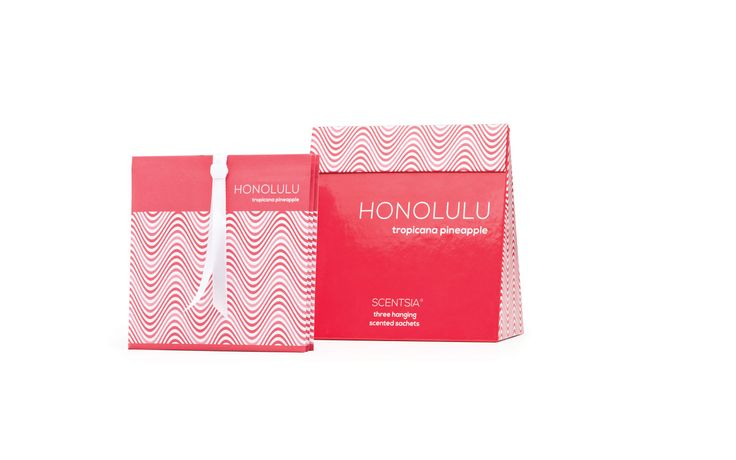 HONOLULU (Tropicana Pineapple) - 3 hanging scented sachets // Enjoy the juiciest of Hawaiian aromatic cocktails with lashings of pineapple stirred into mango, peach, grapefruit and cassis