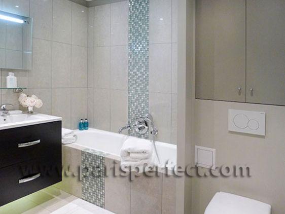 Large 3i En Suite Bathroom Blue Mosaic And Beige Tiles