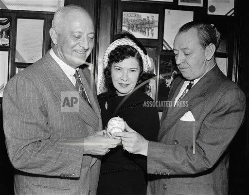 Watchf Associated Press Sports Professional Baseball (American League) New York United States APHS176434 Babe Ruth Autographed Baseball 1949