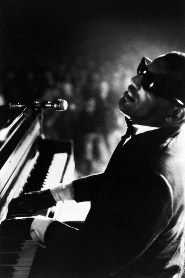 Ray Charles at Carnegie Hall, New York City. (1966)  Photo: Bill Ray