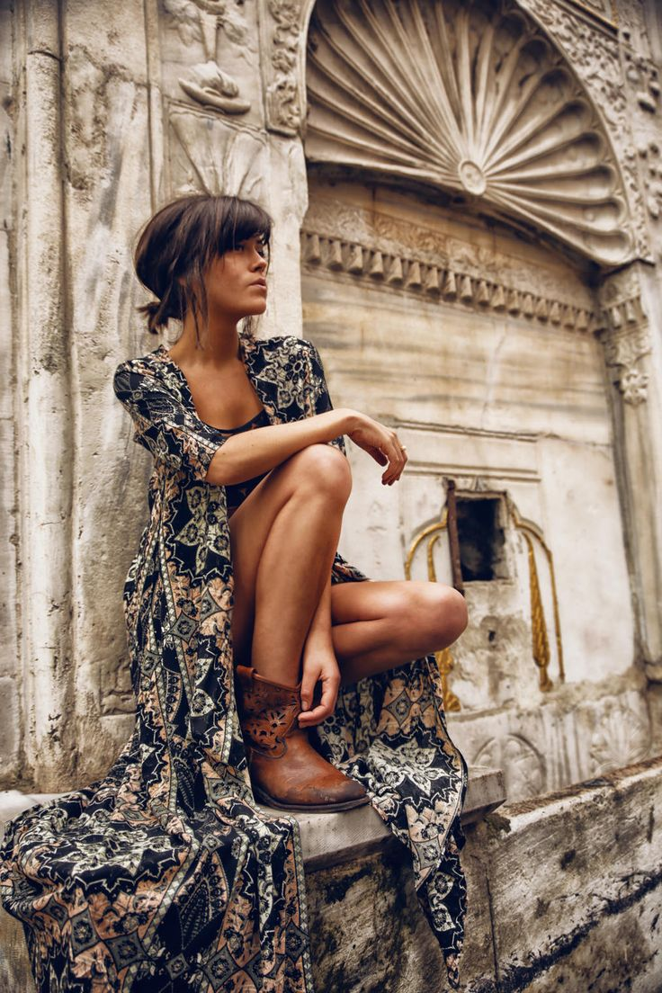 Brunette babe in a long boho kimono and lovely leather boots.