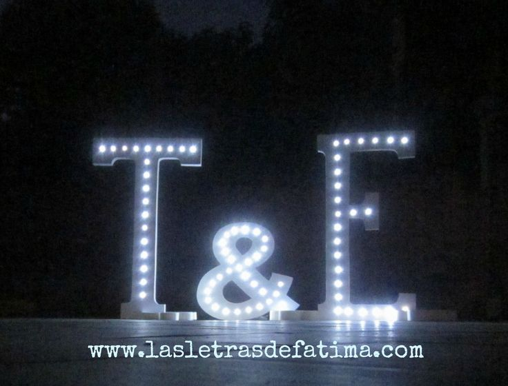 24 inches Light letter. Iluminated Letter. Great for any event :) de Letrasdecorativas en Etsy