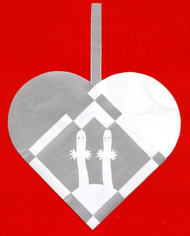 Braided Christmas heart with hattifnatter