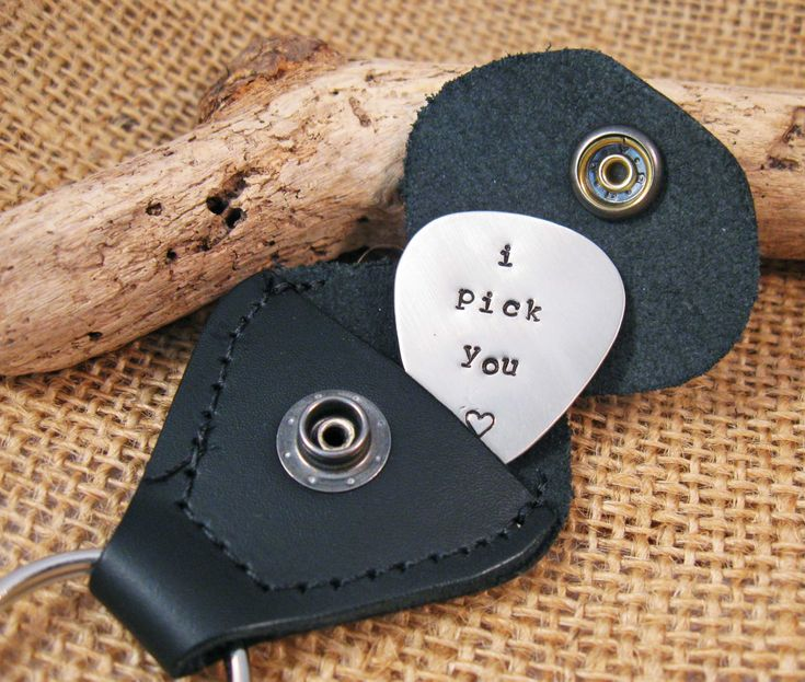 Personalized Guitar Pick – I Pick You – Valentines gift Boyfriend – Custom personalized guitar pick – Husband Valentines day gift