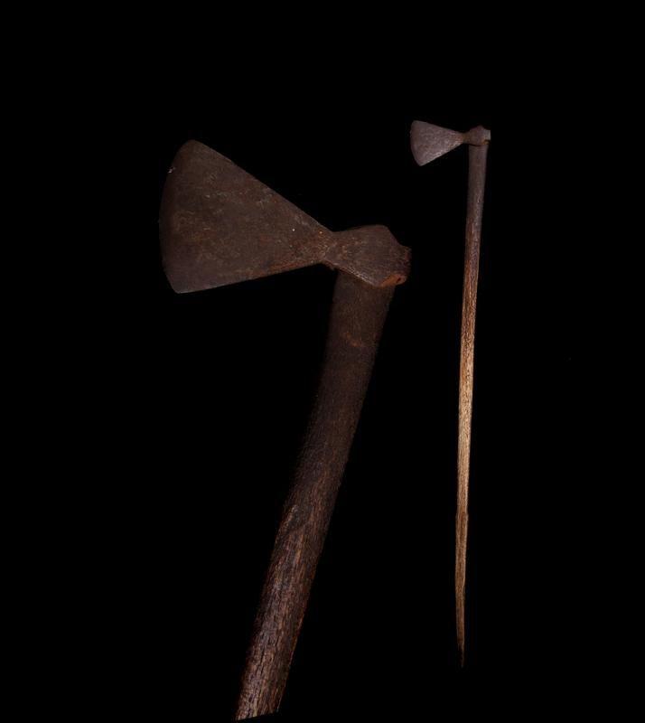Extremely rare long Strike Patiti Paraoa (hatchet), the iron