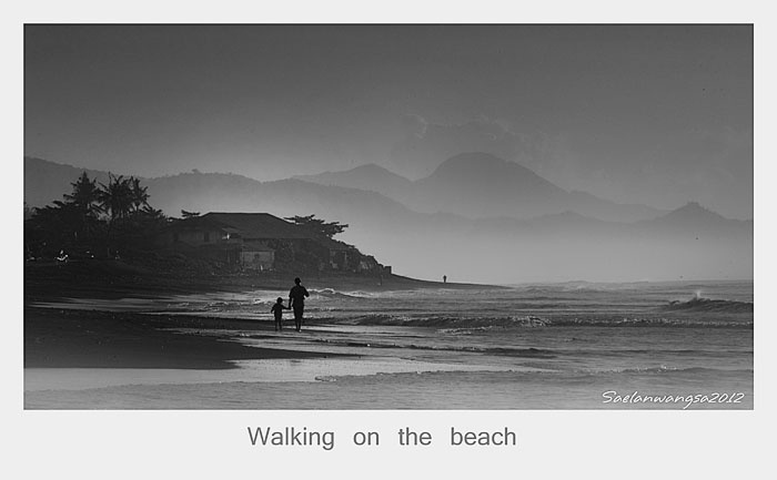 Walking on the beach [ black and white version ] by saelan Wangsa, via 500px