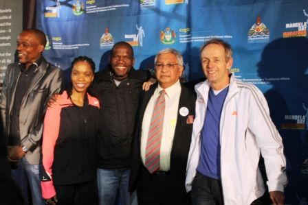 Post-briefing #ROC #MandelaMarathon Cllr Y Bhamjee w/ KZNA President Sello Mokoena, brand ambassadors-the beautiful @PhindiGule, former NYC Marathon winner Willie Mtolo, @BruceFordycerun who needs absolutely no introduction at all.