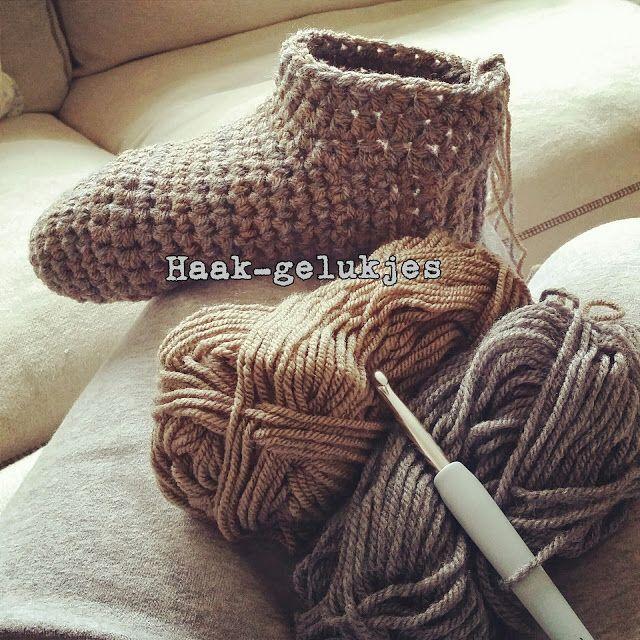 Hierbij het recept voor warme voeten :)      Benodigdheden (voor ongeveer maat 38/39):   -2 bollen wol (ik hebeen grijze bol Roy...
