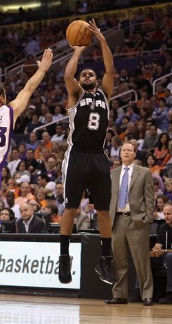 Patty Mills -sportsman and cheerleader