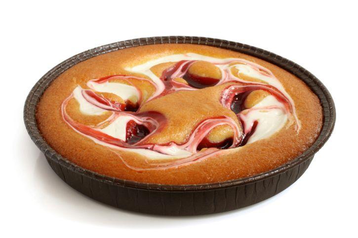 Ecco come preparare la torta che spopola sul web da tempo ormai, nella versione con marmellata e yogurt