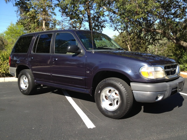 1999 Ford Explorer XLT 4 Door SUV - $2,999 - Longwood FL | used SUV for sale in Florida |