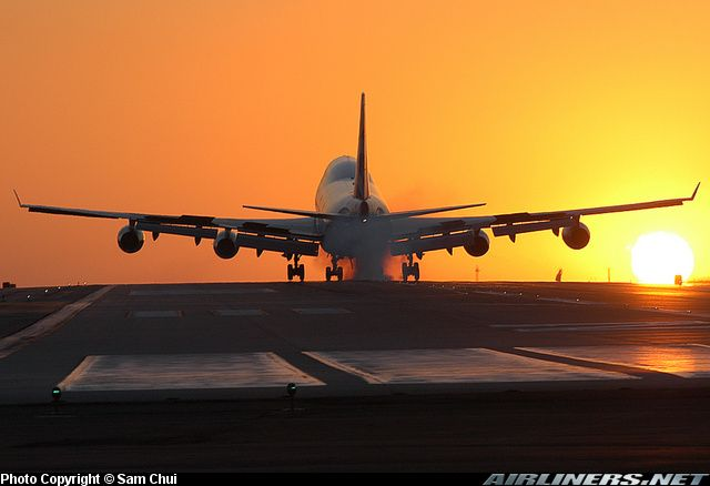 Boeing 747-436 aircraft picture