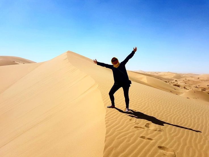 Desert safari I my country there's no mountains or deserts so this was a big moment for me #iran #danishadventurer