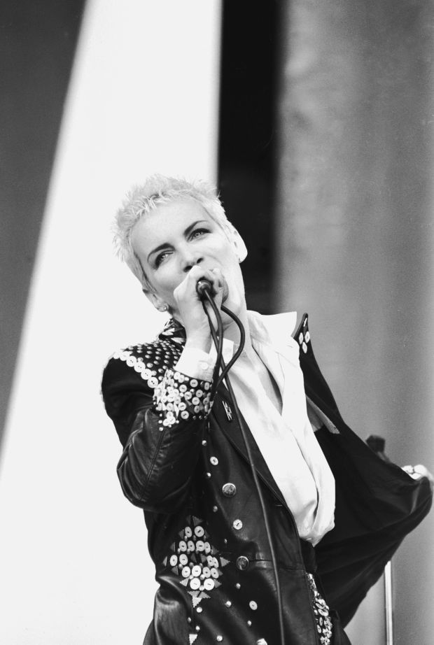17 best images about annie lennox on pinterest girls videos the revenge and freddie mercury - Annie lennox diva ...