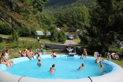 Introductie Ascou la Forge | kleine camping | appartementen | chalets | buitensport | outdoor| pyreneeen | canyoning | speleologie | speleo | rafting | kayaken | GGG | SVR | sportieve vakanties | klimmen | rotsklimmen | bergwandelen | grotten | via ferrata | klettersteig | mountainbiken | cursussen | opleidingen tot raftguide | opleiding tot canyoning instructeur | IRF International Rafting Federation | canyoning training | raft training | raftguide training | raftguide opleidingen |