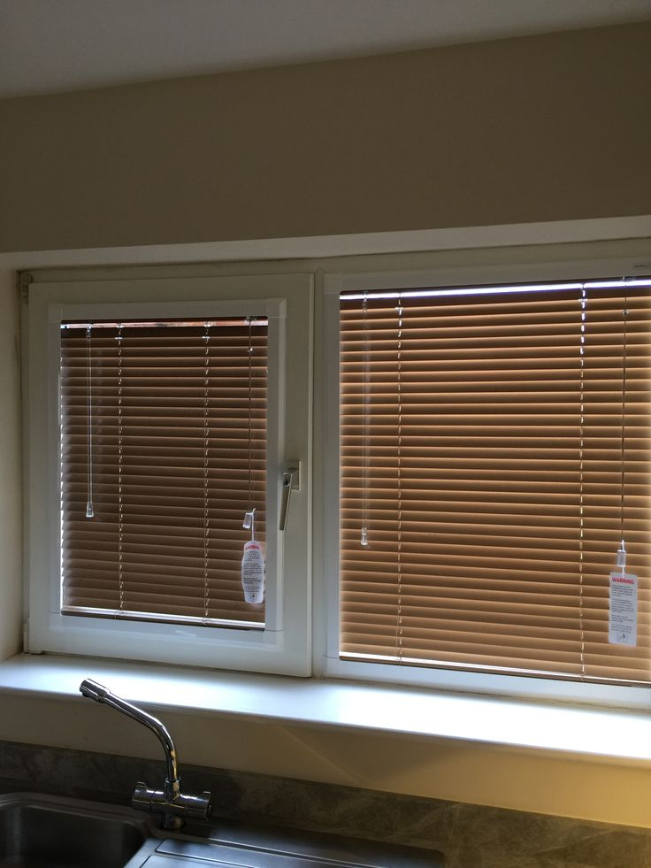 Perfect fit wooden venetian blinds, Northwich.  http://blindsnorthwich.co.uk