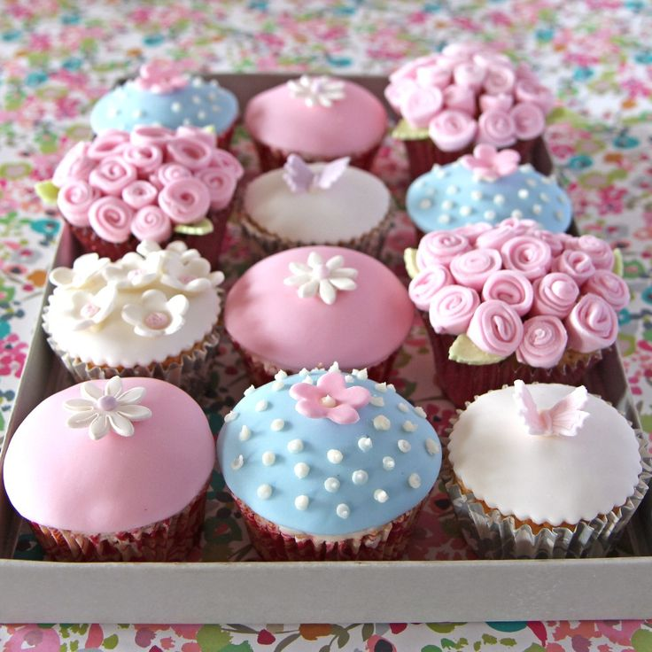 This Mother's Day Iced Cupcakes Recipe makes the perfect gift. It is easy to make and the sugar paste floral designs will make your mum feel special.